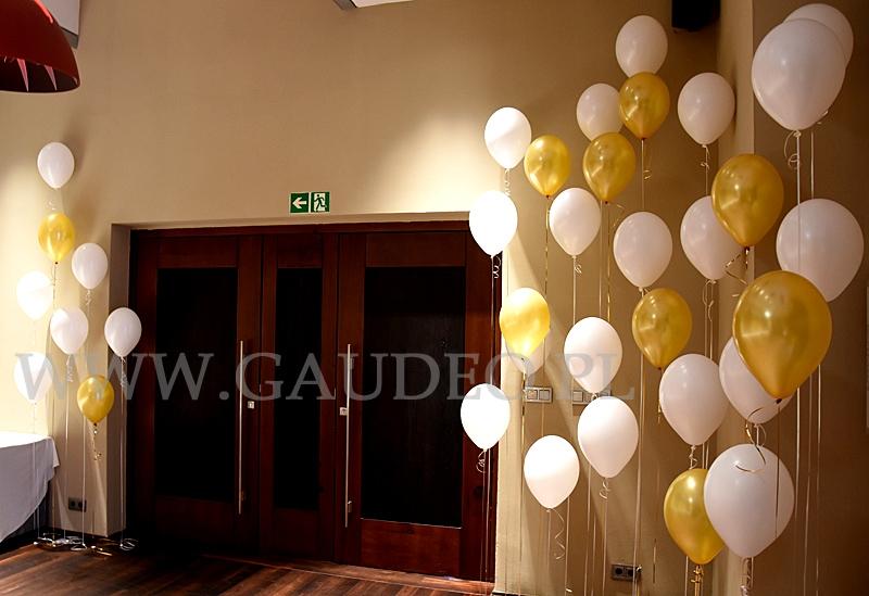Balony Z Helem Na Nietypową Dekorację Weselną