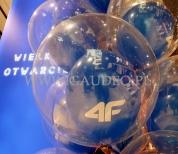 Balon bubble napełniony helem z balonem w środku.