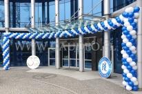 Balonowa dekoracja wejścia we Wrocławiu.