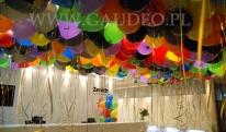 Balony helowe w biurze w Warszawie.