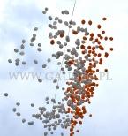 Balony helowe lecą nad Dzierżoniowem.