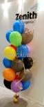 Pęk balonów helowych jako dekoracja warszawskiego biura.