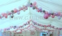 Balonowa dekoracja namiotu.