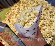 Popcorn na pikniku.