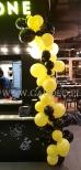 Balonowa organiczna girlanda jako dekoracja na otwarcie.