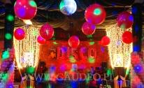 Balonowa dekoracja imprezy firmowej w stylu Disco