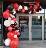 Dekoracja balonowa w krakowskim biurowcu.