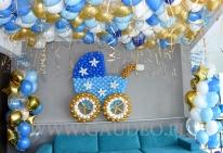 Dekoracja z balonów na imprezę w apartamencie.