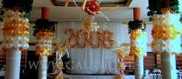 Balonowe dekoracje na zabawie sylwestrowej.