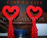 Balonowe serca z okazji Walentynek w kinie Cinema City we Wrocławiu.