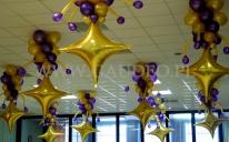 Balonowe stroiki z gwiazdkami na bal sylwestrowy.