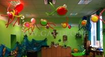 Balonowy podwodny świat na zabawie dla dzieci w przedszkolu.