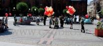 Balony z helem w czasie akcji ZHP we Wrocławiu.
