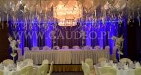 Weselna dekoracja sali hotelu Haston wykonana balonami z helem.
