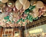 Balony helowe w Cafe Menzurka.