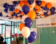 Balony z helem i nadrukiem.
