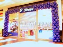 Brama z balonów na otwarcie nowego sklepu Tchibo.