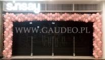 Balonowa brama na otwarcie salonu w Galerii Forum w Gdańsku.