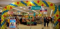 Brama balonowa w hipermarkecie Carefour.