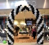 Brama z balonów z nadrukiem dla sklepu Ecco we Wrocławiu.