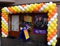 Brama balonowa jako dekoracja otwarcia.