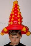 Chłopiec w kapeluszu balonowym.