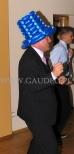 Ciemno niebieski kapelusz balonowy na imprezie.