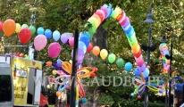 Kolorowe balony z helem na Festiwal Krasnoludków we Wrocławiu.
