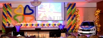 Dekoracja balonowa na konferencji firmowej.