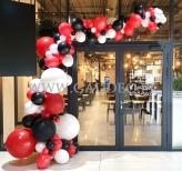 Dekoracja balonowa na otwarcie restauracji.