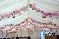 Dekoracja balonowa na 18-ste urodziny.