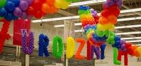 Dekoracja urodzinowa sklepu Leroy Merlin wykonana z balonow.