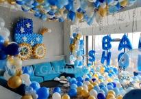 Balonowa dekoracja imprezy na urodzenie dziecka.