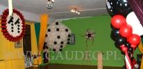 Dekoracja z balonów na evencie w stylu kasyna.