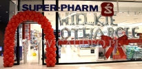 Balonowa dekoracja na otwarcie nowego salonu Super-Pharm.