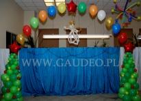 Dekoracja balonowa siedziby wrocławskiej firmy na event wigilijny.