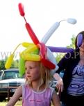 Dziecięcy stroik z balonów na głowę.
