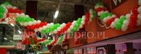 Girlandy balonowe z okazji dni kuchni Włoskiej w hipermarkecie Leclerc we Wrocławiu.