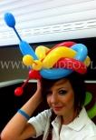 Hostessa w balonowym stroiku.