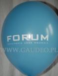 Logo nadrukowane na błękitnym balonie.