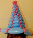 Niebieski kapelusz balonowy.