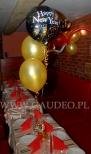 Noworoczny balonowy stroik helowy.