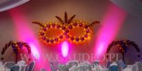Podświetlone balonowe maski Weneckie na evencie firmowym.