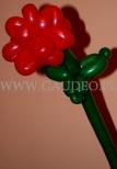 Róża skręcona z balonów.