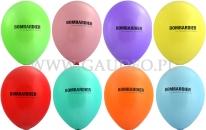 Logo firmy Bombardier nadrukowane na balonach.