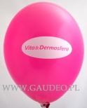 Różowy balon z białym nadrukiem.