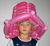 Różowy kapelusz balonowy.