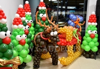 Sanie Mikołaja z balonów.