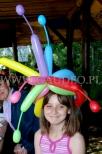 Skręcanie balonów na imprezie dla dzieci.