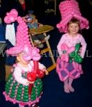 Sukienka z balonów dla małej dziewczynki na bal.